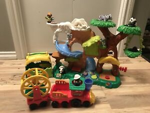 Fisher Price/Little People Zoo set