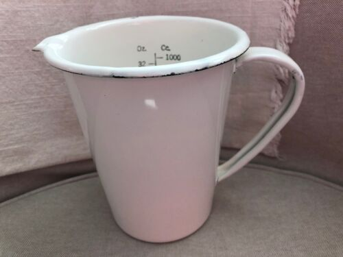 Vintage WHITE ENAMEL Measuring Cup Pitcher 32 oz / 1000 cc HOSPITAL