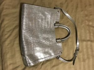 Ivanka Trump large purse