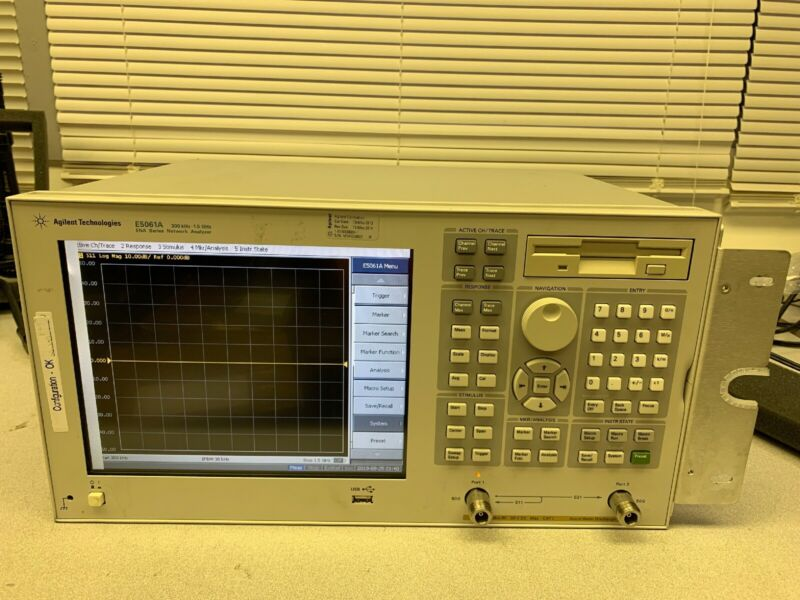 (Agilent) E5061A-275 Sri-24121 Network Analyzer No Warranty, As Is