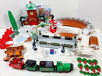 Fisher Price GeoTrax Christmas in ToyTown RC Train Set - Music & Lights READ
