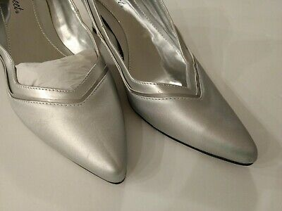 EASY STREET Dress Pumps Classic silver Heel Size 11 M pointed toe -