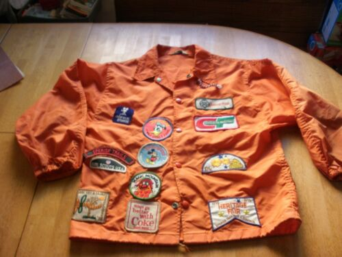 1970s Girl Scouts VINTAGE jacket with over 40 patches Disney Swingster M