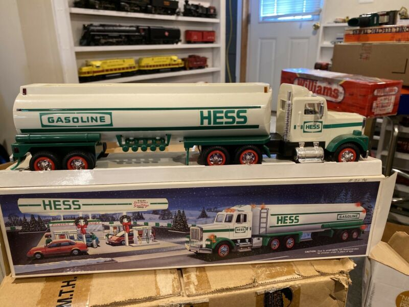 Hess 1990 Tanker Truck Toy ~ Includes Original Box New In Box