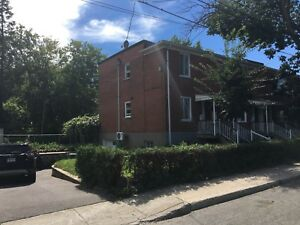 Spacious 5 1/2 upper duplex for rent close to Loyola campus