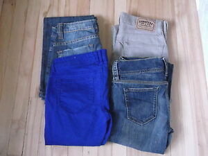 4 PAIRS OF WOMAN JEANS