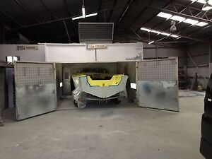 CLOSING CRASH REPAIRS Spray painting booth &EQUIPMENT SALE Windsor Gardens Port Adelaide Area Preview