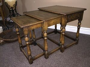 Antiqued oak nesting tables