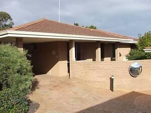 3 BEDROOM VILLA IN QUIET COMPLEX Kardinya Melville Area Preview