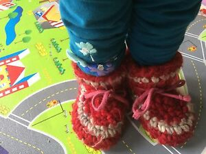 Red Padraig size 7 slippers
