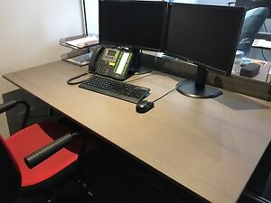 Office Desk and matching moveable draw set Wollstonecraft North Sydney Area Preview