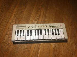 Yamaha PortaSound PS-1 Keyboard