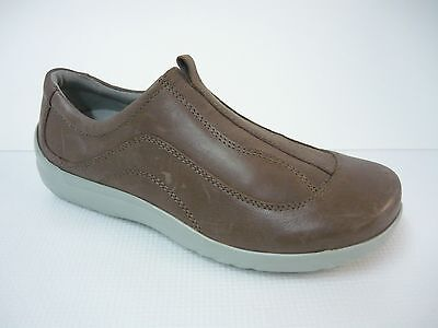 Klogs Taupe Leather Professional Women Slip Resistant Clogs 8