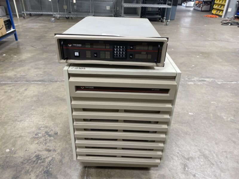 Temptronic TP03000A-230 Thermal Inducing Vacuum Platform W/ SA104621 Controller
