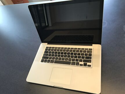 "MacBook Pro 15"" 2.2GHz i7 8GB RAM barely used"