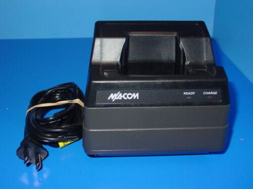M/A-Com Universal Desk Charger Base BML 161 78/20 P5100 P7100