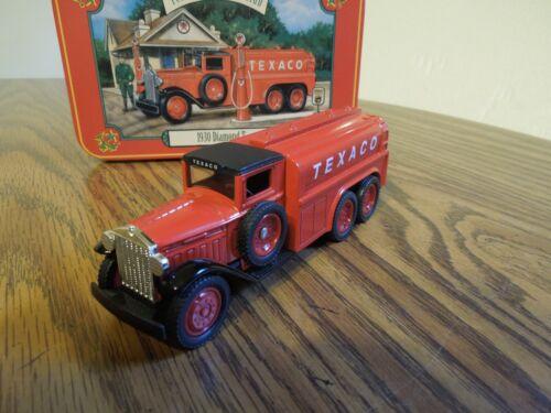 ERTL Diamond 1930 2 1/2 ton TEXACO truck 1/43 scale with tin