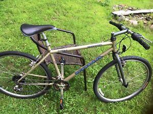 Vélo vintage Kona remonté à neuf