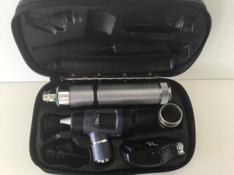 WELCH ALLYN DIAGNOSTIC SET 97200-MC OPHTHALMOSCOPE #11720 & MACROVIEW #23820
