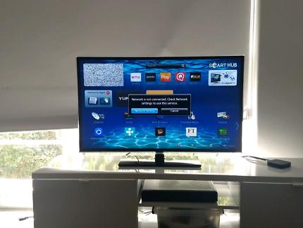 "40"" Samsung Full HD LED Smart TV"