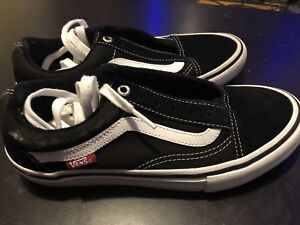 NEW- VANS. Skateboard Shoe Size 5.5