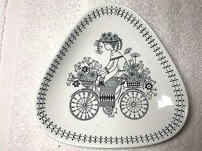 ARABIA EMILIA DISH BOWL by RAIJA OOSIKKINEN FINLAND LUNNG COLLECTION BICYCLE