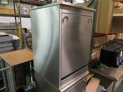 Glastender Bld-24-s Back Bar Liquor Display Cabinet Lockableremoval Door - 24
