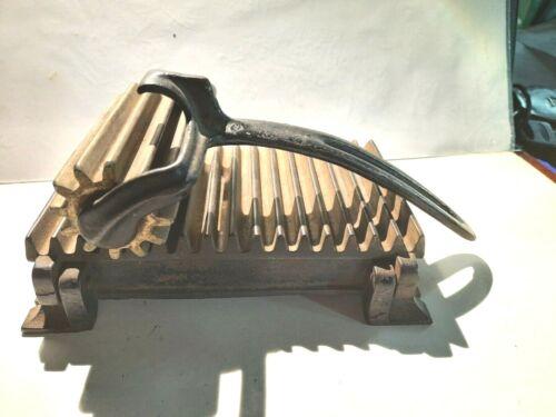 Antique Hand Fluting Iron Roller Tool American Machine Co  Cast Iron