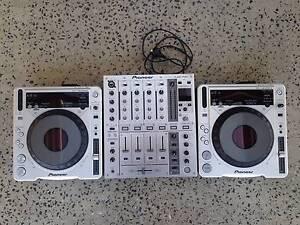 2x Pioneer CDJ 800mk2 & DJM 700 Professional DJ Decks Setup !!! Werribee Wyndham Area Preview