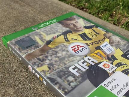 Xbox One | FIFA 17 ● With Original Box and Disc ●