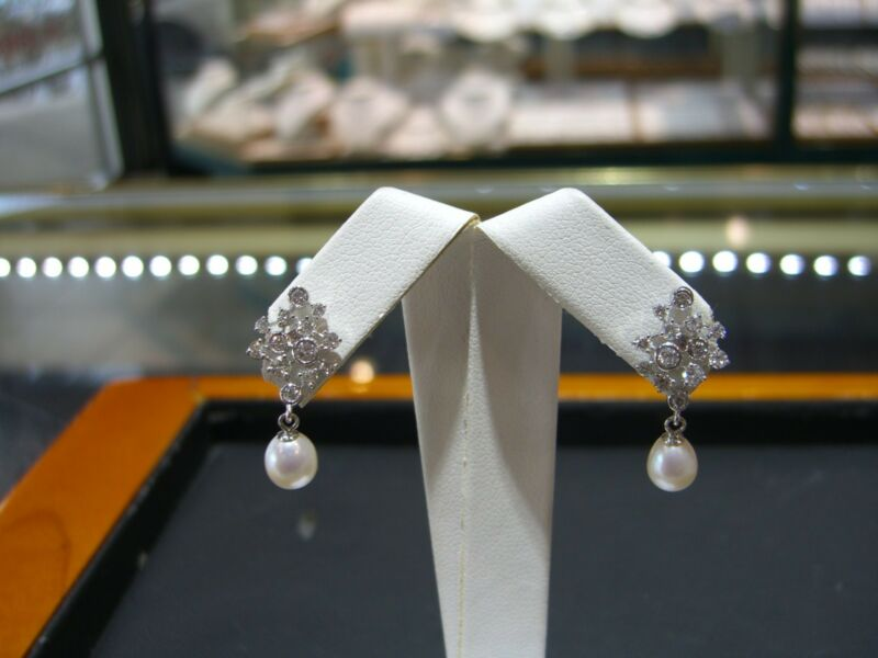 Fine Designer 14 Karat White Gold Diamond And Pearl Dangle Earrings 1.00 Carats
