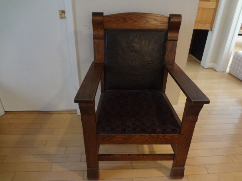 ANTIQUE ORIGINAL  ARTS AND CRAFTS MISSION STYLE EARLY AMERICAN ARMCHAIR