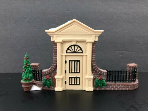 """Dept. 56 Disney Parks Village Series (1994) """"Old World Antiques Gate""""  #5355-4"""
