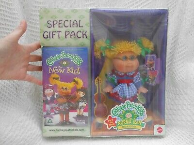 special edition 1998 boxed CABBAGE PATCH KIDS doll NORMA JEAN,Mattel,VHS VIDEO segunda mano  Embacar hacia Spain