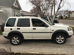 Land Rover Freelander  as is 150k  2600$ obo