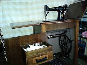 Singer Sewing Machine in Cabinet Raymond Island East Gippsland Preview