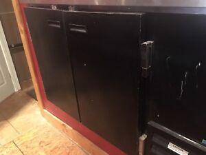 Double door beer/drinks cooler