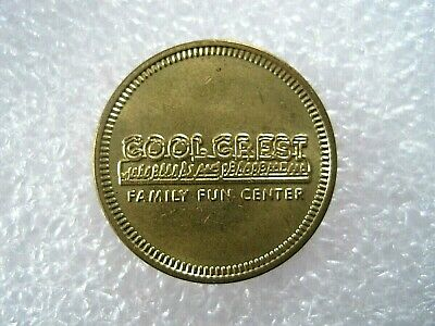 Cool Crest Family Fun Center Amusement Park Independence Missouri Token (Independence Center Independence Mo)
