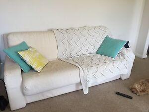 Free 2.5 seater sofa lounge North Bondi Eastern Suburbs Preview