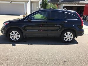 2009 Honda CR-V. LEATHER INTERIOR, SUNROOF, LOW KMS and more!!!
