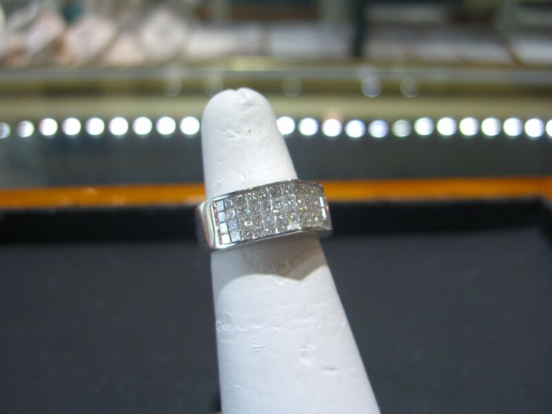 Womens Fine White Gold Invisible Set Diamond Ring Pyramid Triangle 2.00 Carats