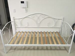 Day Bed in excellent condition Canterbury Canterbury Area Preview
