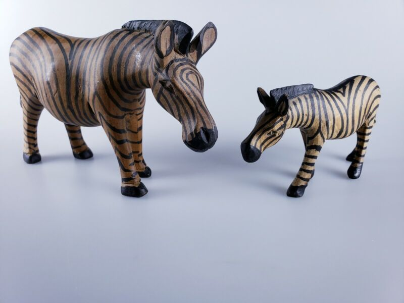 """Vintage Hand Carved Hand Painted Zebra Figurine 4"""" Tall 7.5"""" Long w/ Baby 3""""x5"""""""