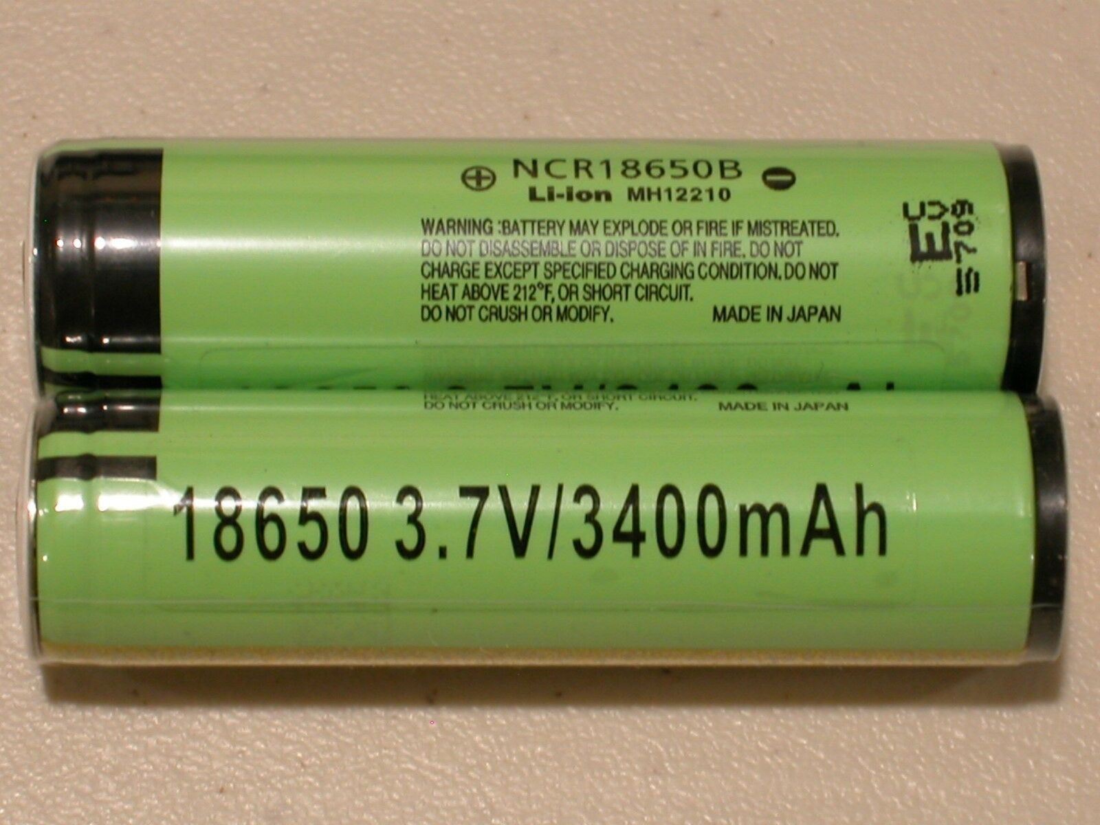 4 Panasonic Ncr18650b Li-ion Battery 3400mah 3.7v 18650 P...