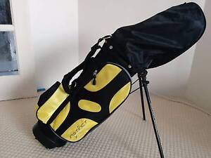 Junior Golf Clubs and Bag - Right Handed Clubs Iluka Joondalup Area Preview