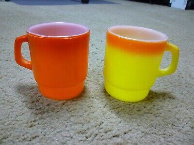 2  ANCHOR HOCKING  FIRE KING VINTAGE COFFEE MUGS CUPS  2 Anchor Hocking Fire-king