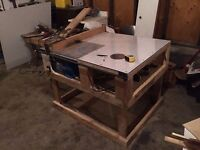 Table saw with build in rotor