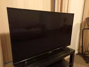 SONIQ 42inch FHD LED LCD TV