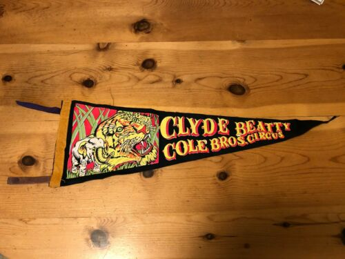 VINTAGE CLYDE BEATTY COLE BROS. CIRCUS PENNANT, Black
