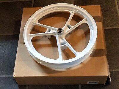 Nos. 86-88 RG125 GAMMA New SUZUKI MT1.85x16 White Front Wheel 54111-36A02-28W